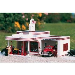 PIKO G SCALE MODEL TRAIN BUILDINGS   TEXACO FILLING STATION   62251 Toys & Games
