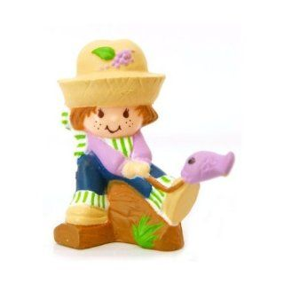 Strawberry Shortcake Vintage Mini Huckleberry Pie Catching a Fish Mint on Card: Toys & Games