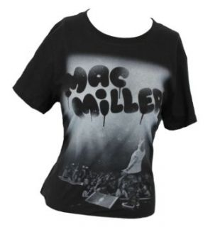 Mac Miller Girls Juniors T Shirt   Spray Painted Crowd Rocking Image (Extra Large) Black: Clothing
