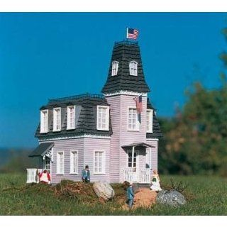 PIKO G SCALE MODEL TRAIN BUILDINGS   THE MANSION   62023 Toys & Games