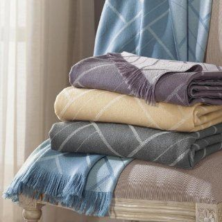 Como by Sferra Champagne Como   Throw 50x70   Throw Blankets