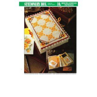 Stationery Box   Plastic Canvas Pattern: Deborah Sauser: Books