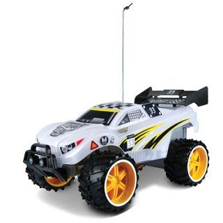 Maisto Tech Light Runners RC Vehicle Toys & Games
