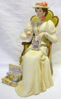 2011 Avon Mrs. Albee Figurine   Collectible Figurines