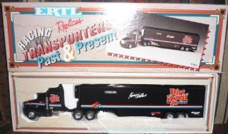 1993 Ertl Racing Replicas Transporters Past & Present Kenny Wallace Dirt Devil Stock Car Transporter: Toys & Games