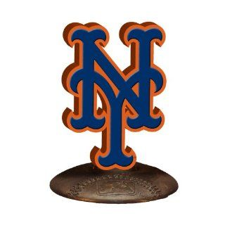 New York Mets 3 D Team Logo  Sports Related Collectibles  Sports & Outdoors